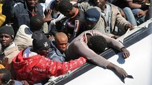 Три судна с нелегальными эмигрантами затонули у берегов Ливии