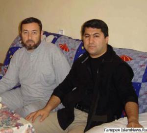 Мухаммадшариф Химматзода (слева) и Мухиддин Кабири. Фото IslamNews.ru