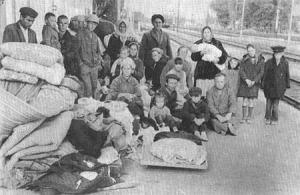 Крымские татары, высланные семьями под конвоем