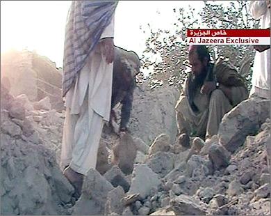 После бомбардировки ВВС США одной из афганских деревень