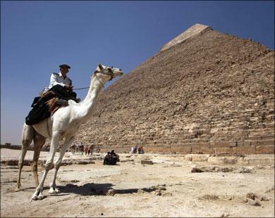 Одна из трех великих пирамид в долине Гизы