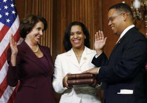 Кейт Эллисон, первый мусульманский конгрессмен США, присягает на Коране