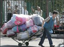 Таджикские власти должны создать рабочие места для потерявших работу трудовых мигрантов
