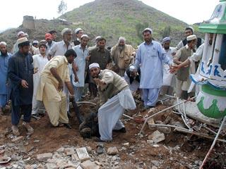 В Пакистане огромное число жертв среди гражданского населения в результате военных операций