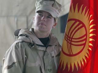 """Киргизии необходимо улучшить отношения с Россией после решения о создании в бишкекском аэропорту """"Манас"""" американского Центра военных перевозок"""