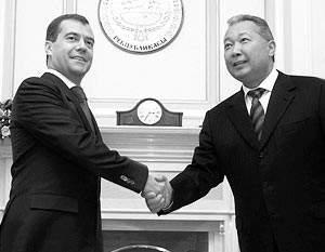 Президенты России и Кыргызстана - Дмитрий Медведев и Курманбек Бакиев
