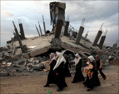 Израильский обстрел привел к разрушениям домов палестинцев