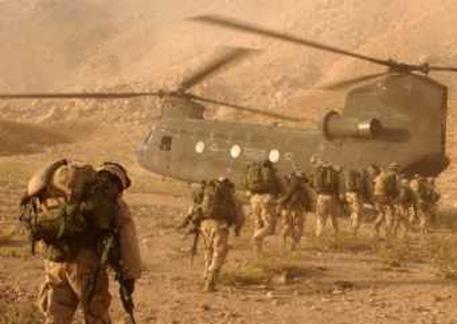 Британские военнослужащие. Фото из архива vesti.kz