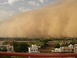 В Таджикистане бушуют пыльные бури