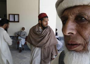 """Афганцы признают """"правительство Талибана"""""""