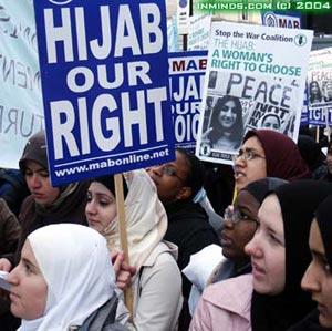 Мусульманки в Турции по-прежнему ограничены в праве носить исламскую одежду