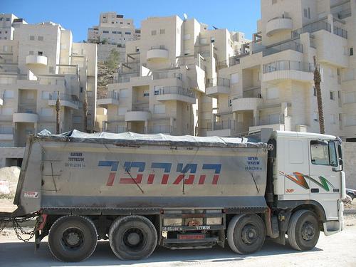 Израиль переходит к обороне