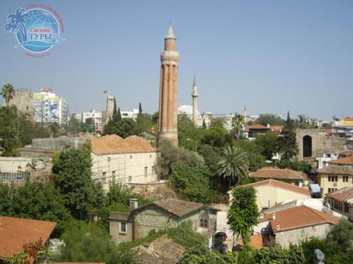 Мечеть - своеобразный символ Анталии