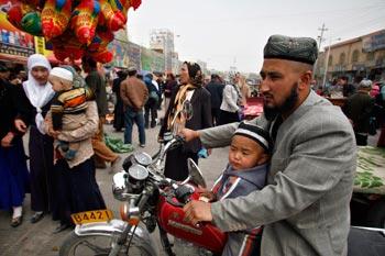 Власти Китая проводят кампанию по искоренению религиозных ритуалов среди китайских мусульман уйгурской национальности