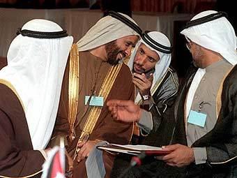 Госслужащие в ОАЭ получат зарплаты перед праздником разговения – Ид аль-Фитр