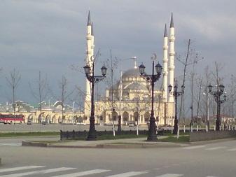 Кадыров сносит мечеть имени Ямадаева
