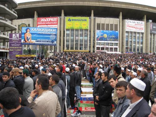 Недостаток мечетей в Москве может привести к социальному взрыву