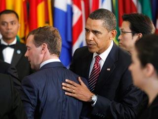 """Обама и Медведев решили """"стимулировать"""" Иран"""