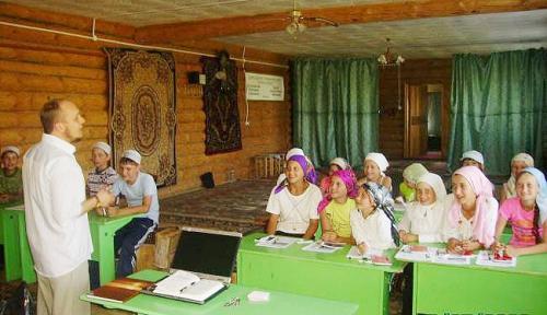 В Пензенской области школьнице-мусульманке запрещают носить платок