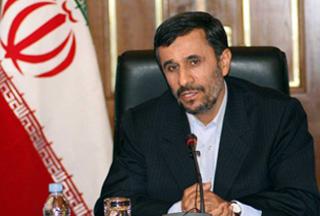 Ахмадинежад: Иран не обязан информировать Обаму