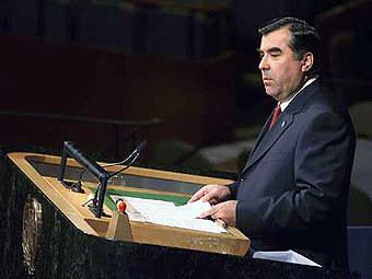 Президент Таджикистана двинул дочь в политику