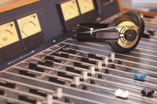 Московский патриархат намерен создать православные радиоканалы