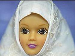 """Арабская """"Барби"""" не собирается снимать хиджаб"""