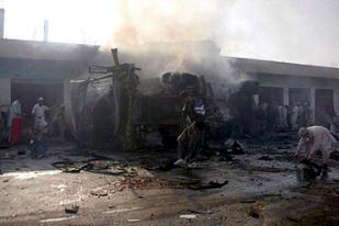 Пятница в Пакистане ознаменовалась новыми взрывами