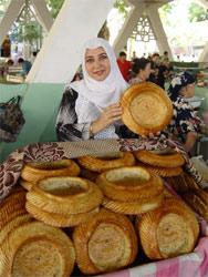Узбекская милиция: Cнимите  хиджаб, будете торговать