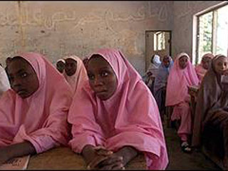 Нигерийских мусульманок не берут на работу из-за хиджаба