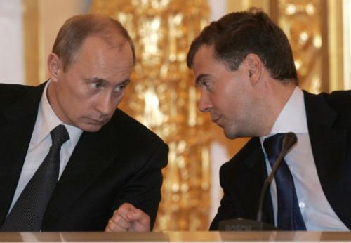 Медведев: Наш тандем с Путиным не распадется