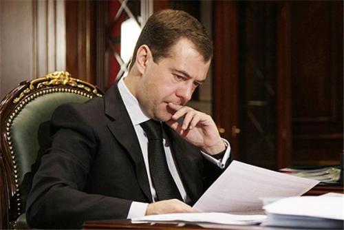 Медведев подписал закон об отмене двойного налогообложения с Саудовской Аравией