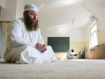 Германских имамов научат немецкому
