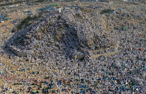 Количество паломников в Мекку бьёт новые рекорды