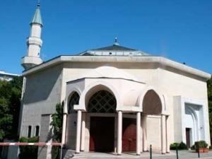 Мечеть в Пти-Саконне