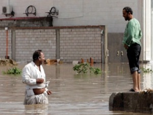 Число жертв наводнения достигло 77 чел. Паломников среди них нет