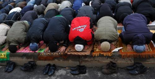 Одинцовская милиция: Молиться на рынке незаконно