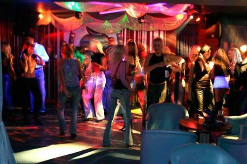 В Москве начали закрывать ночные клубы