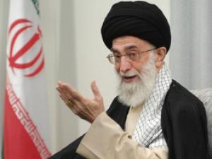 Аятолла Хаменеи призывает Иран к спокойствию