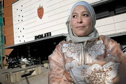 Хиджаб вернулся в норвежскую полицию