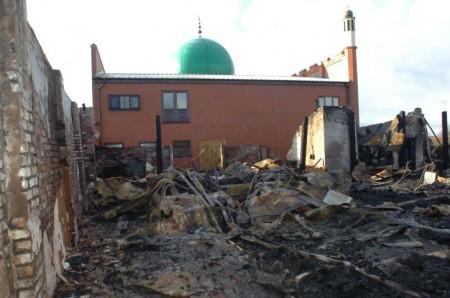 На Рождество в Британии сожгли мечеть