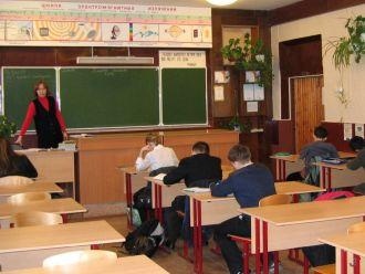 За 6 лет число выпускников российских школ сократится вдвое – министр