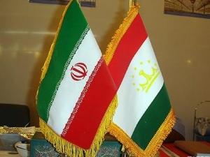 Махмуд Ахмадинежад прибыл с официальным визитом в Душанбе