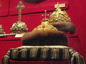 Уроки православия в школах подготовят россиян к возрождению монархии — священник РПЦ