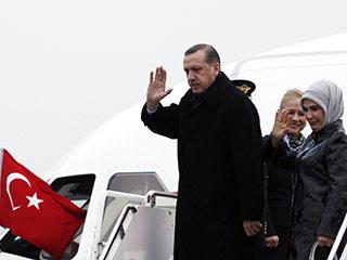 Премьер Турции прибыл в Москву
