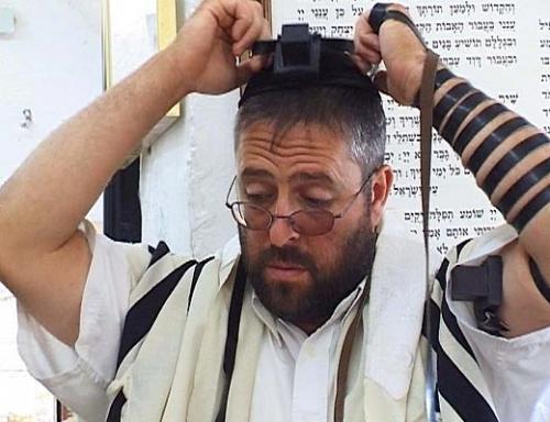 Молящегося иудея бдительные граждане приняли за террориста