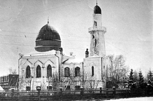 Белая мечеть в период чекистской облавы
