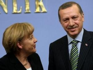 Канцлер Германии, находясь в Турции, изменила свою позицию
