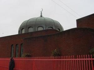 Али и Оливия — первая исламская семья Британии