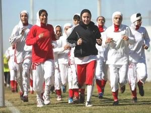 Иранская женская сборная по футболу готовится к соревнованиям